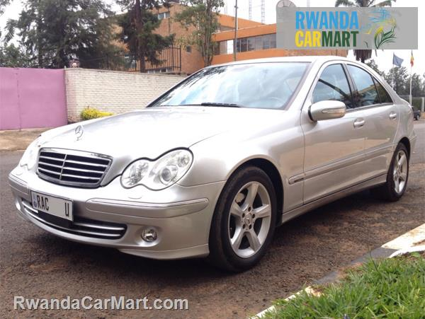 Used mercedes benz luxury sedan 2005 2005 mercedes benz for Mercedes benz c230 kompressor 2005